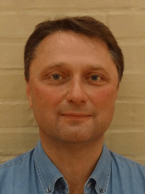 Stig Bisgaard : Holdleder